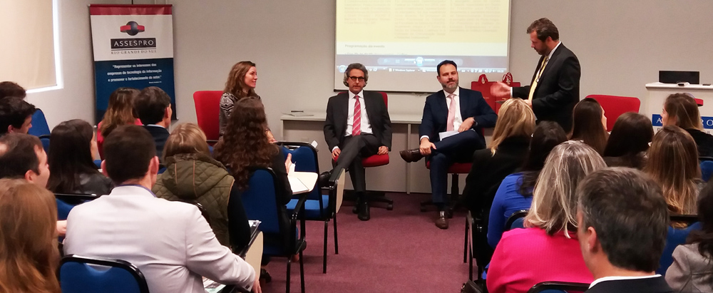 Assespro-RS realiza evento sobre Reforma Trabalhista com auditório lotado