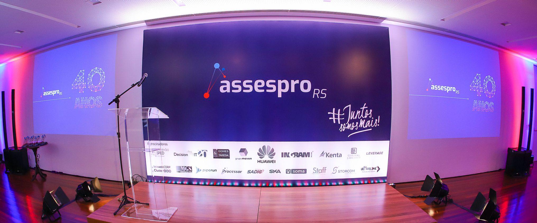 Primeiro Presidente Assespro-RS homenageia os 40 anos da entidade